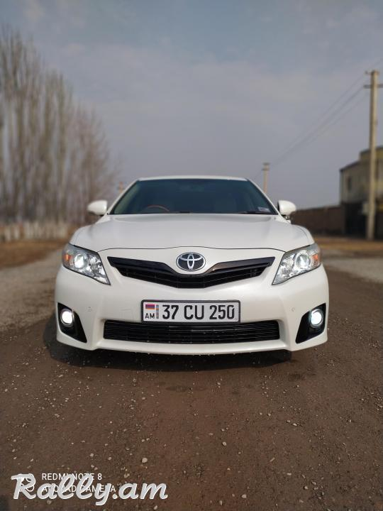 Toyota Camry, Japan XLE