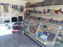 Պահեստամասերի խանութ սրահ