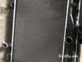 Nissan bluebird. Radiator original jri
