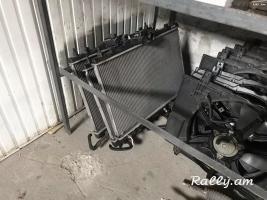 Nissan Tiida radiator